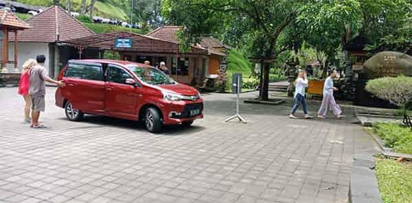 Auto car in Bali