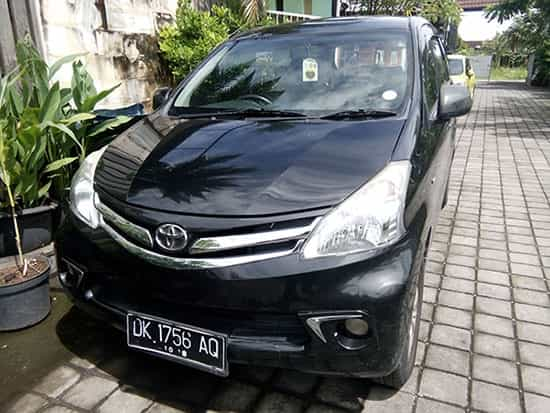 Review Bali car rental Toyota Avanza