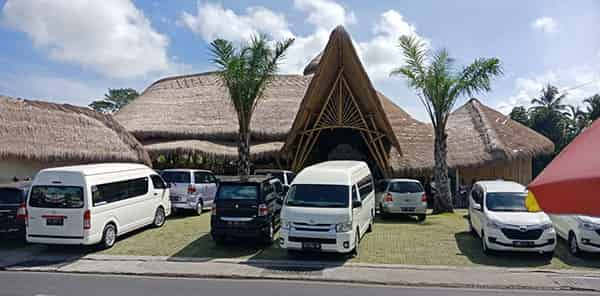 Bali car hire with driver